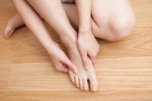 脚の甲 マッサージ