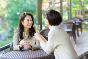 ストレス解消で自律神経緩和を目指す女性たち